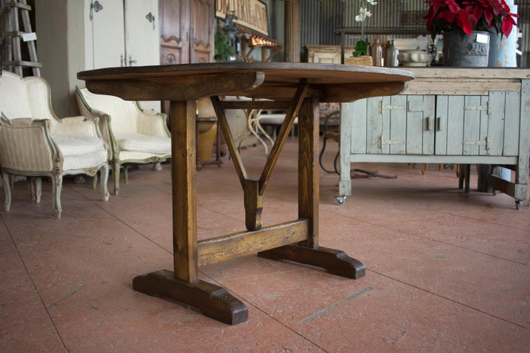 Vintage French Vendange Tilt-Top Table In Good Condition For Sale In Calgary, Alberta