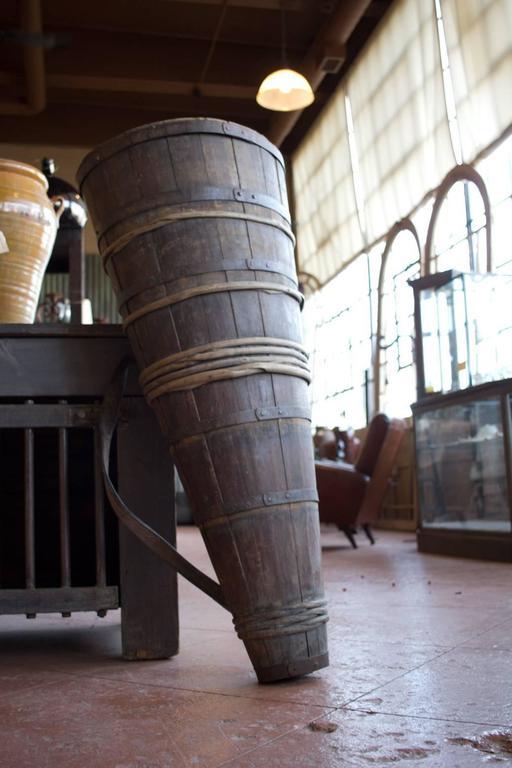 antique french cleft oak grape harvest hotte at 1stdibs. Black Bedroom Furniture Sets. Home Design Ideas