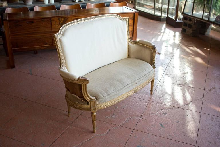 Petite French Bergère Settee For Sale 2