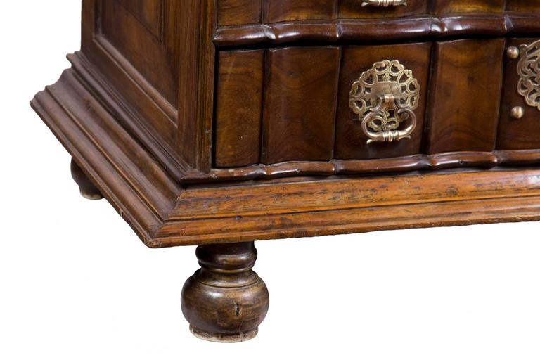 Mid-18th Century Important Paneled Block-Front Paduk Wood Fall-Front Desk, China For Sale