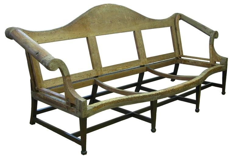 American Mahogany Hepplewhite Camelback Sofa with Serpentine Back and Seat with Spade Fee For Sale