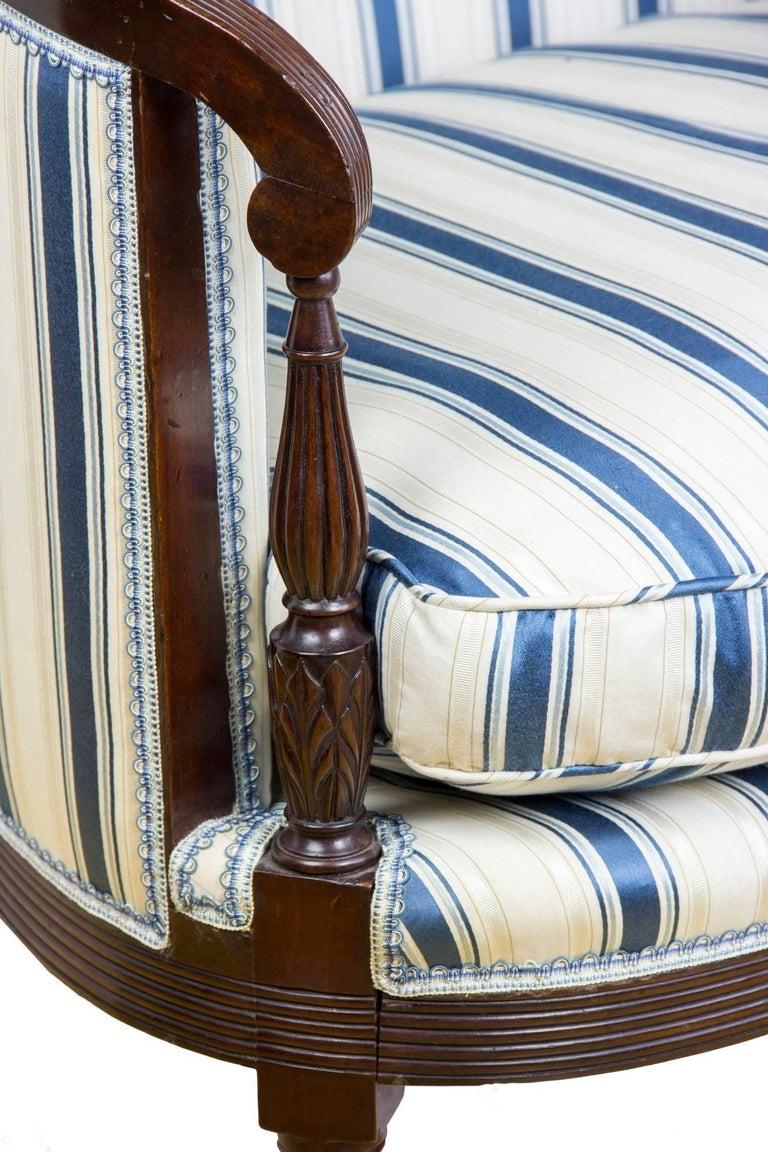 Classical / Federal / Sheraton Carved Mahogany Phyfe Sofa, New York, circa 1810 For Sale 1