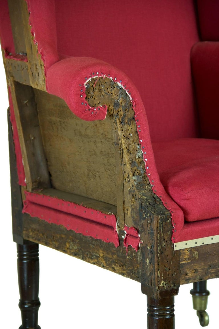 Diminutive Federal Sheraton Wing Chair, New England, circa 1800-1810 In Excellent Condition For Sale In Providence, RI