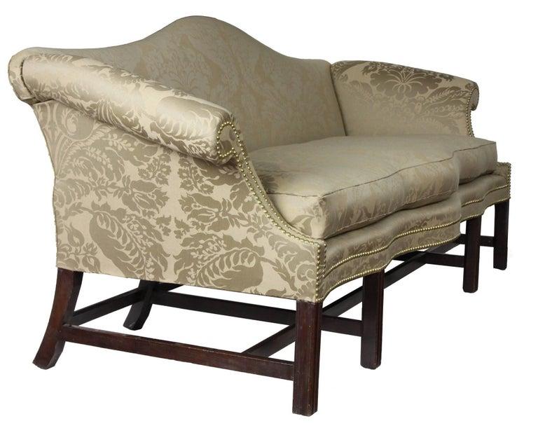 American Fine Chippendale, Federal Mahogany Camelback Sofa, Philadelphia, circa 1780-1800 For Sale
