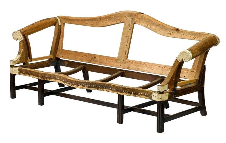 Fine Chippendale, Federal Mahogany Camelback Sofa, Philadelphia, circa 1780-1800 In Excellent Condition For Sale In Providence, RI
