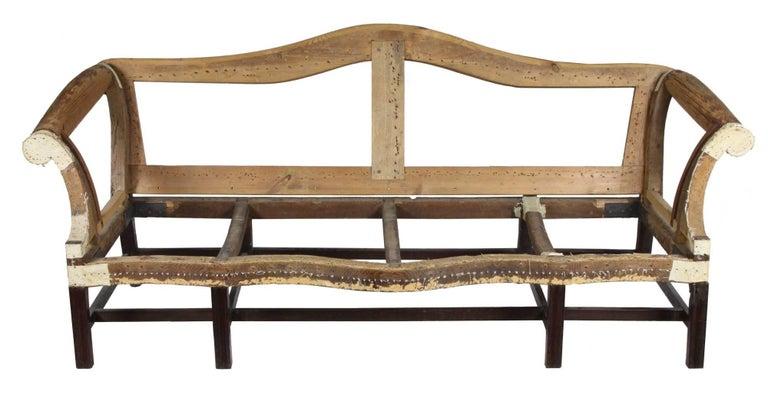18th Century Fine Chippendale, Federal Mahogany Camelback Sofa, Philadelphia, circa 1780-1800 For Sale