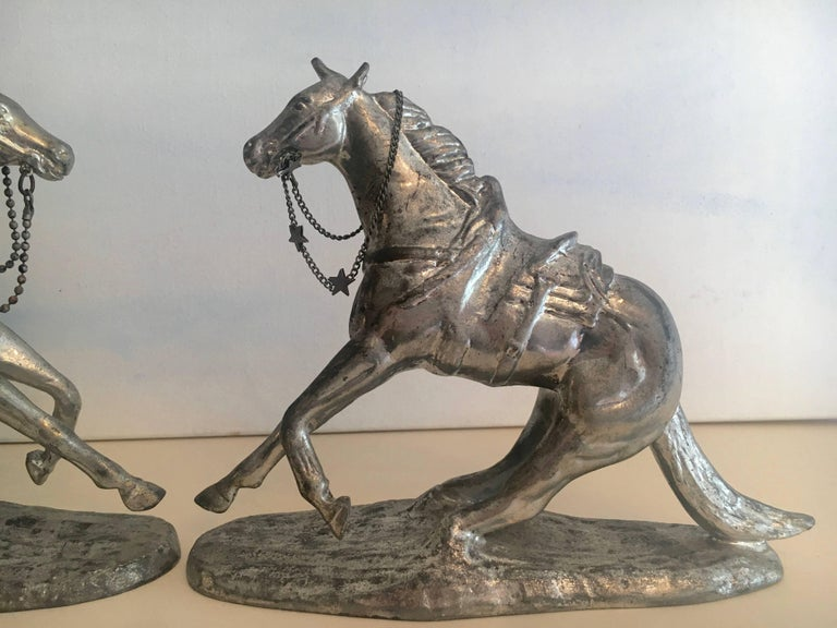 Pair of Metal Horse Bookends In Good Condition For Sale In Los Angeles, CA