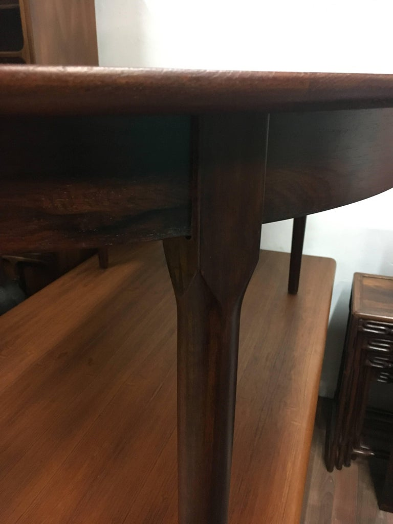 Mid-Century Modern Niels Otto Moller Expanding Rosewood Dining Table, circa 1960 For Sale