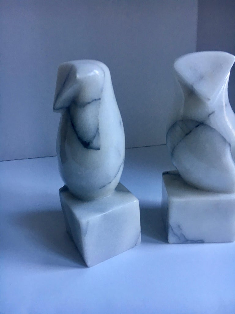 Pair of Carrara Marble Owl Bookends In Good Condition For Sale In Los Angeles, CA