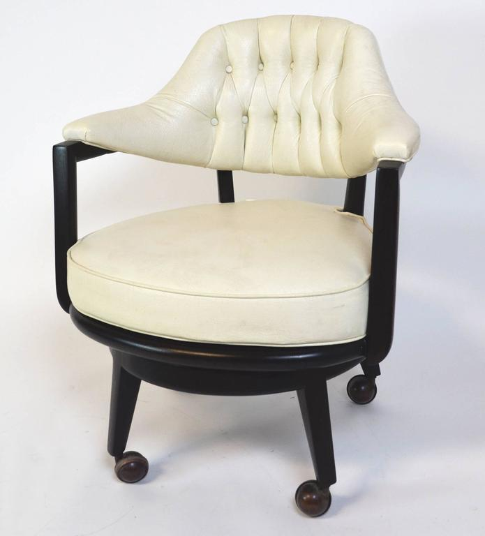 Mid-Century Modern Pair of Monteverdi-Young Swivel Chairs For Sale