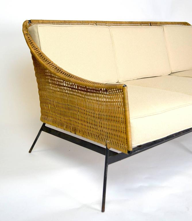 Mid Century Modern Rattan And Wrought Iron Sofa In Good Condition For Palm