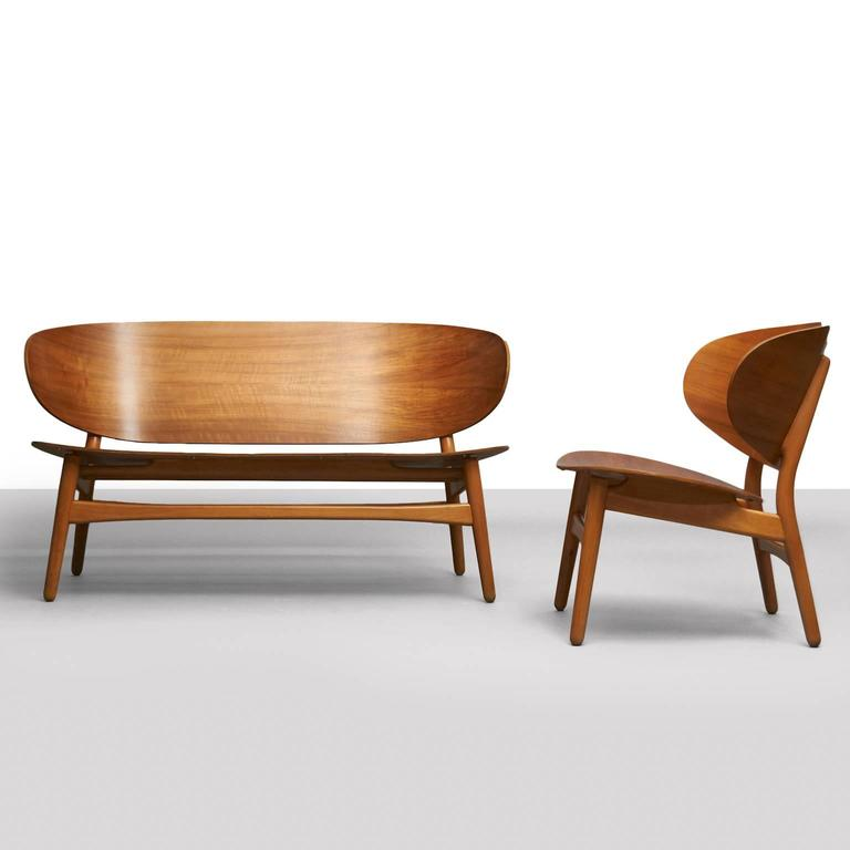 Hans Wegner, Pair of Shell Lounge Chairs For Sale 2