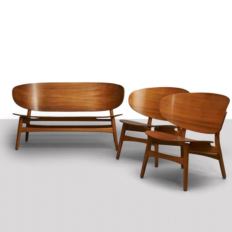 Hans Wegner, Pair of Shell Lounge Chairs For Sale 3