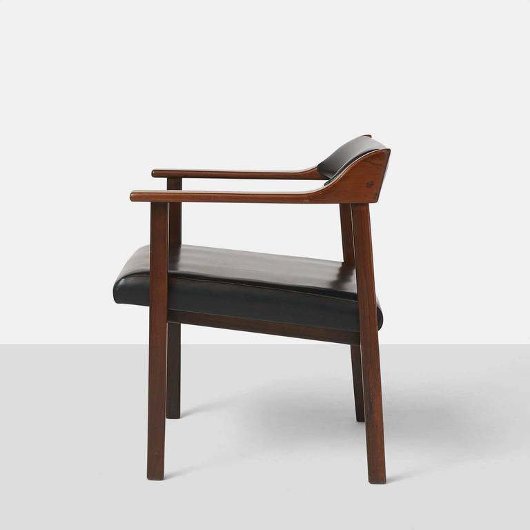 Mid-20th Century Pair of Lounge Chairs by Joaquim Tenreiro For Sale