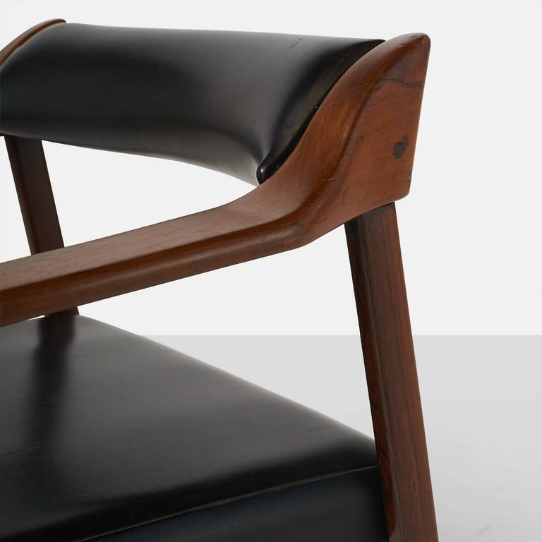 Pair of Lounge Chairs by Joaquim Tenreiro For Sale 1