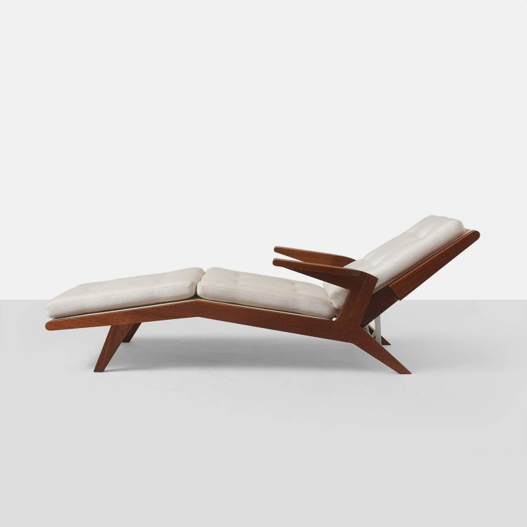 Open-Arm Chaise Longue in Solid Teak In Excellent Condition For Sale In San Francisco, CA