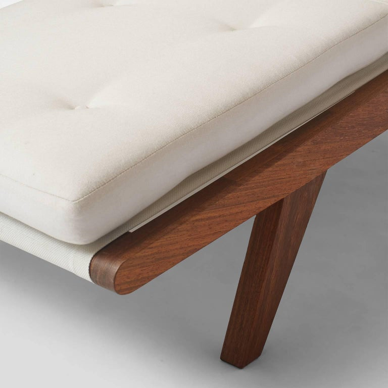 Open-Arm Chaise Longue in Solid Teak For Sale 3