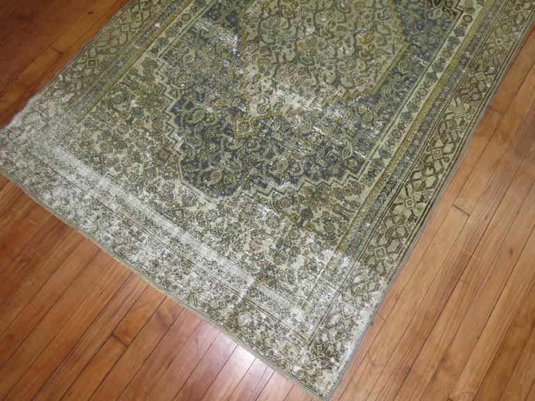 Shabby Chic Persian Bibikabad Rug In Good Condition For Sale In New York, NY