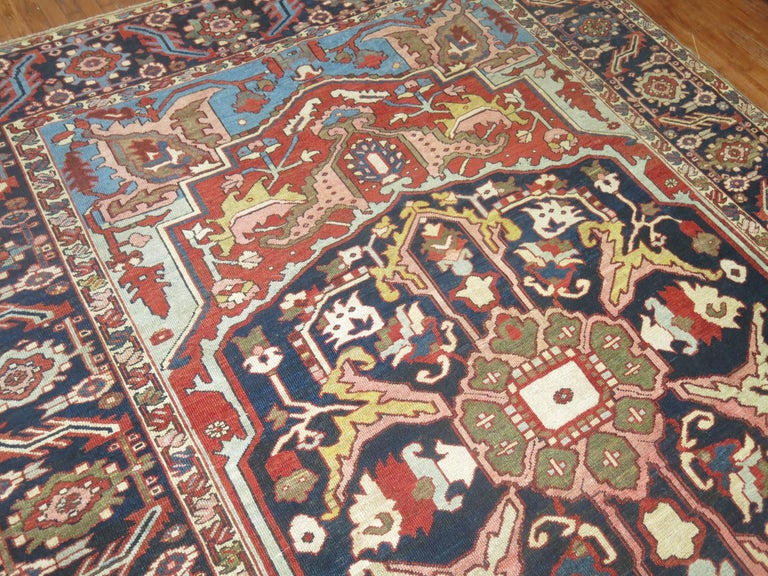 Antique Persian Heriz Oriental Rug In Excellent Condition For Sale In New York, NY