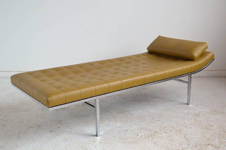 American Jules Heumann Chaise by Metropolitan For Sale