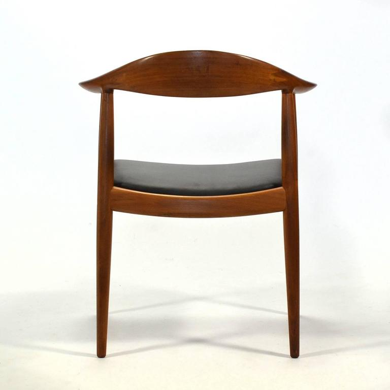 Hans Wegner Round Chair/The Chair by Johannes Hansen In Good Condition In Highland, IN