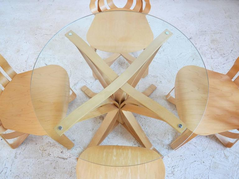 Frank Gehry Dining Table and Chairs by Knoll 1