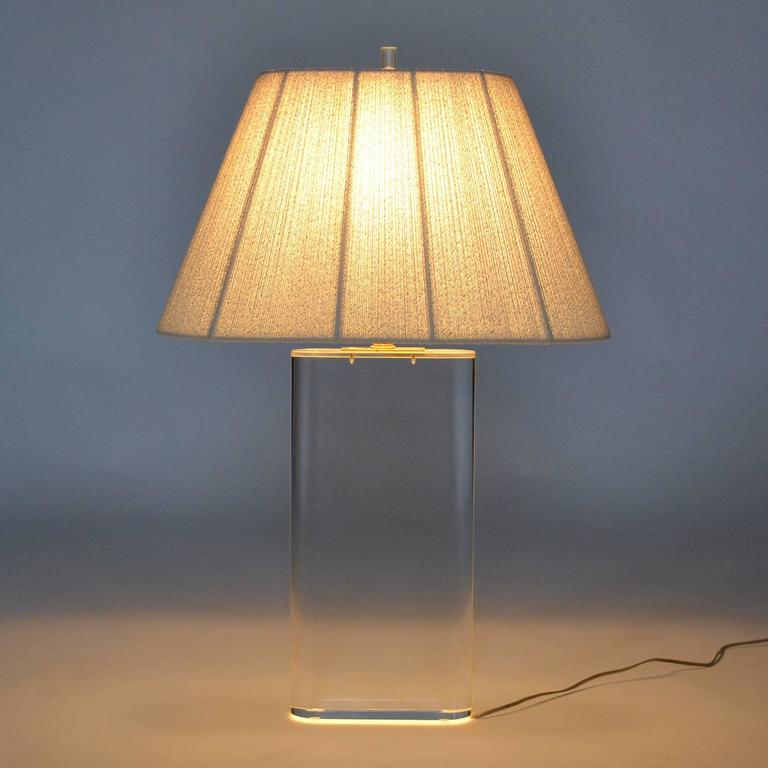 Stunning Lucite Table Lamp in the Manner of Karl Springer For Sale 3