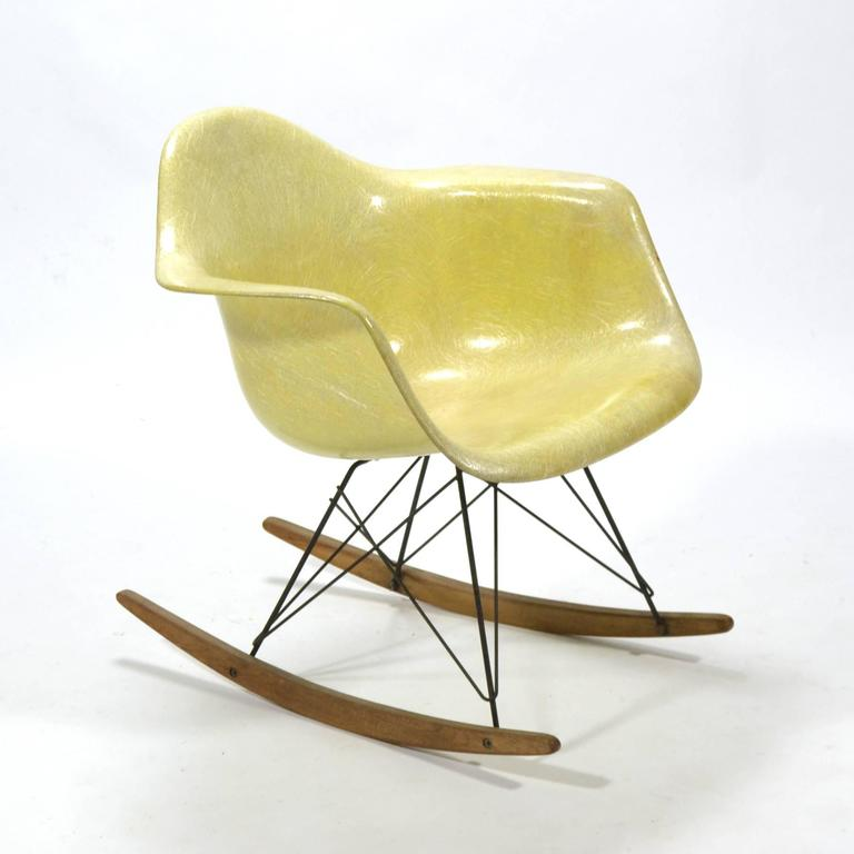 Eames lemon yellow zenith rope edge rar rocker by herman for Fauteuil eames rocking chair