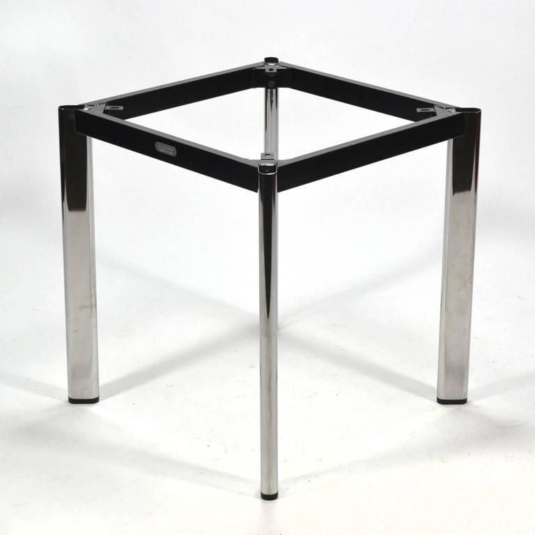 Joe D'urso Table by Knoll 8