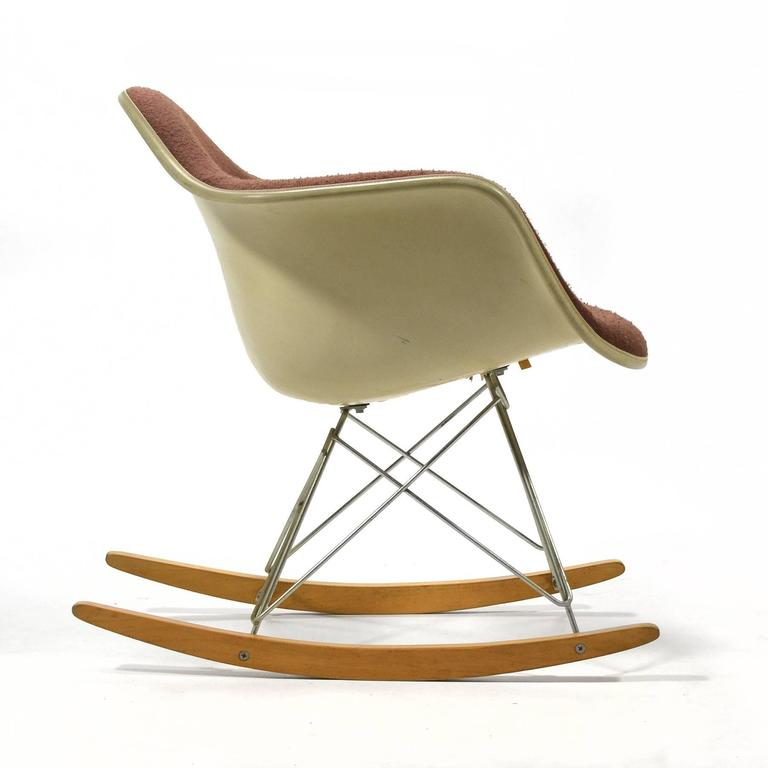 "Eames ""Baby Rocker"" Rar by Herman Miller with Alexander Girard Upholstery In Good Condition For Sale In Highland, IN"