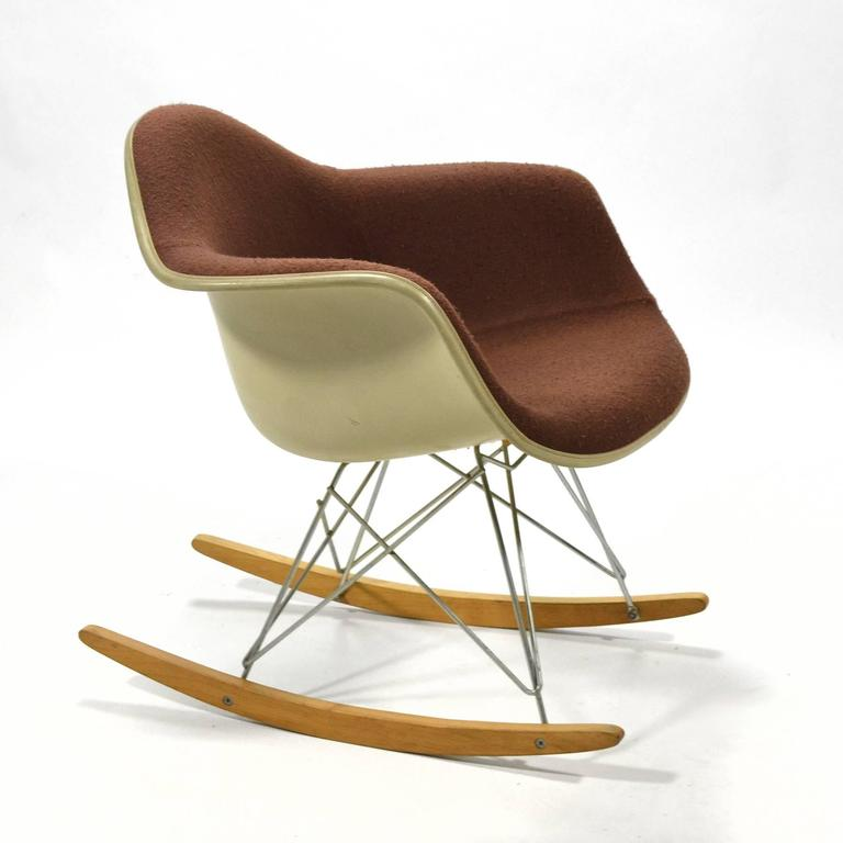 "Eames ""Baby Rocker"" Rar by Herman Miller with Alexander Girard Upholstery For Sale 3"