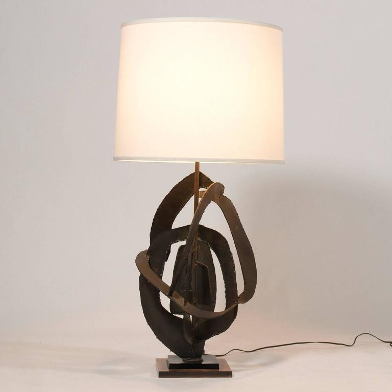American Harry Balmer Table Lamp with Brutalist Sculpture Base by Laurel For Sale