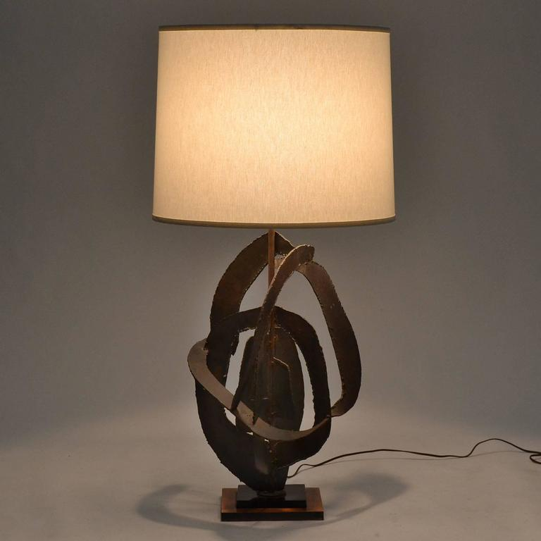Harry Balmer Table Lamp with Brutalist Sculpture Base by Laurel In Excellent Condition For Sale In Highland, IN