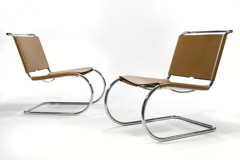 Mies van der Rohe Pair of MR Lounge Chairs For Sale 2
