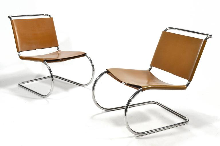 Mies van der Rohe Pair of MR Lounge Chairs For Sale 3
