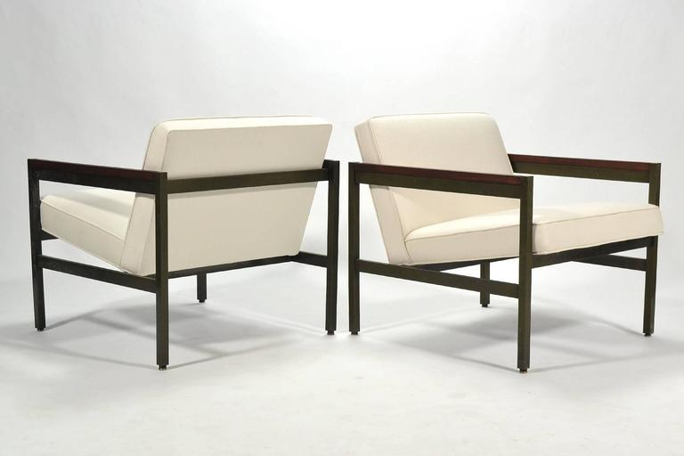 Mid-Century Modern Michael Taylor Pair of Bronze Framed Lounge Chairs by Baker For Sale