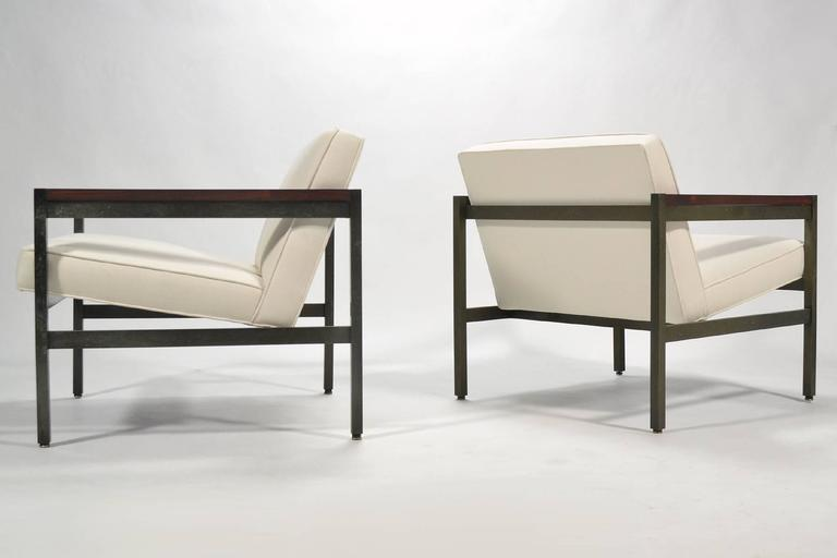 Michael Taylor Pair of Bronze Framed Lounge Chairs by Baker In Excellent Condition For Sale In Highland, IN