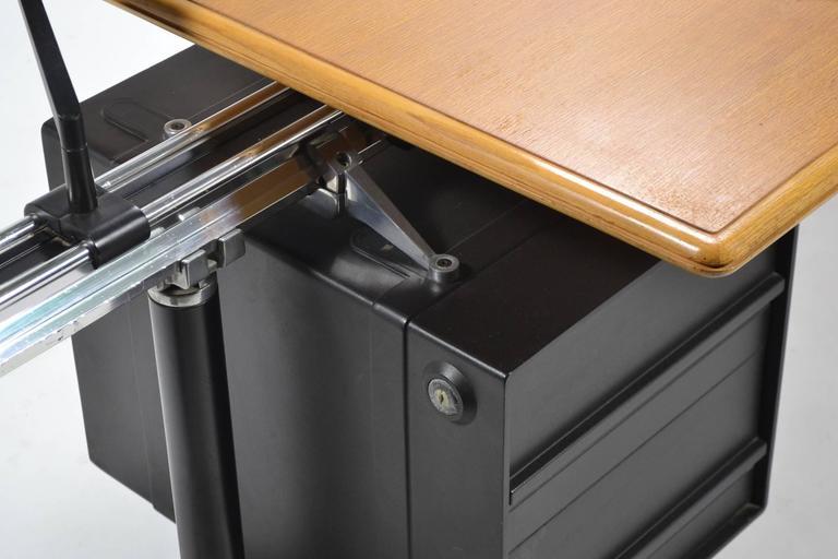 Bruce Burdick Executive Desk by Herman Miller 4
