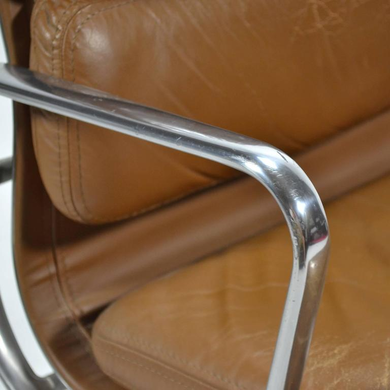 Eames Aluminium Group Soft Pad Management Chair by Herman Miller 8