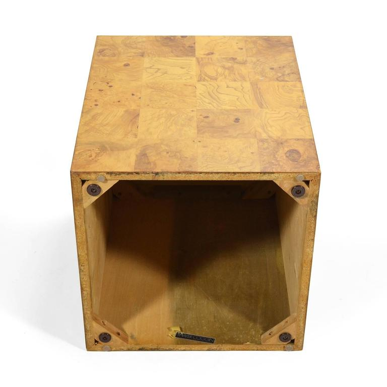 Milo Baughman Burl Patchwork Pedestal/ End Table by Thayer Coggin In Good Condition For Sale In Highland, IN
