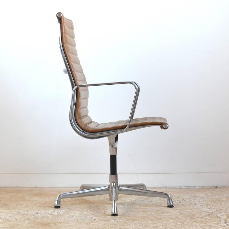 Eames Aluminum Group Armchair by Herman Miller 2