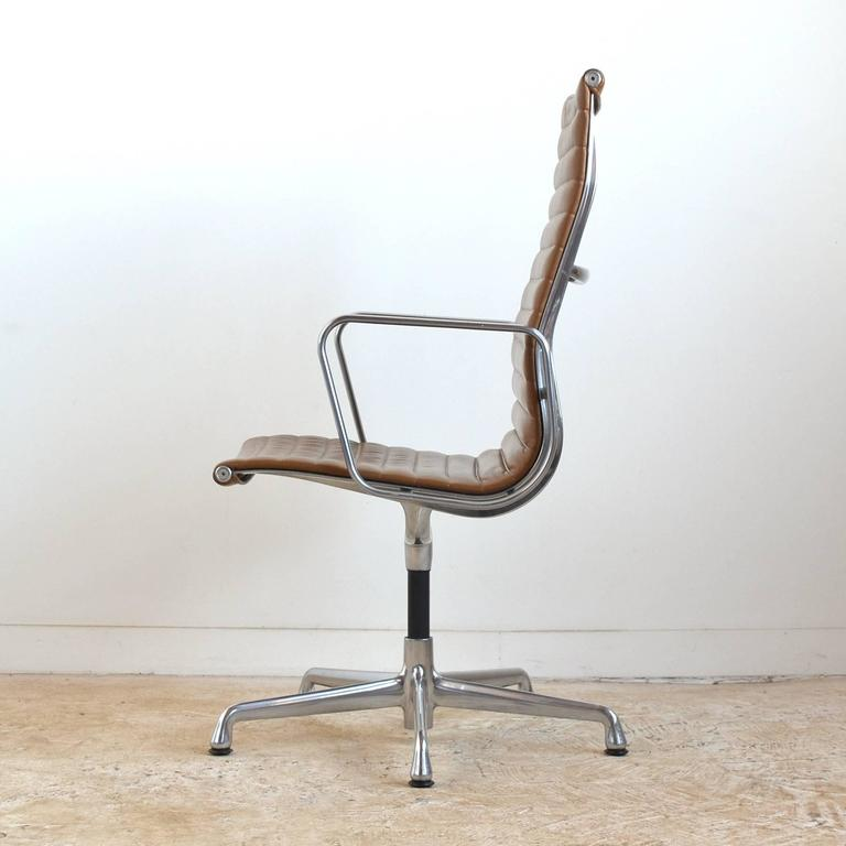 Eames Aluminum Group Armchair by Herman Miller 5
