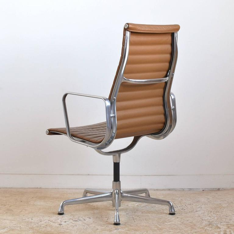 Eames Aluminum Group Armchair by Herman Miller 6