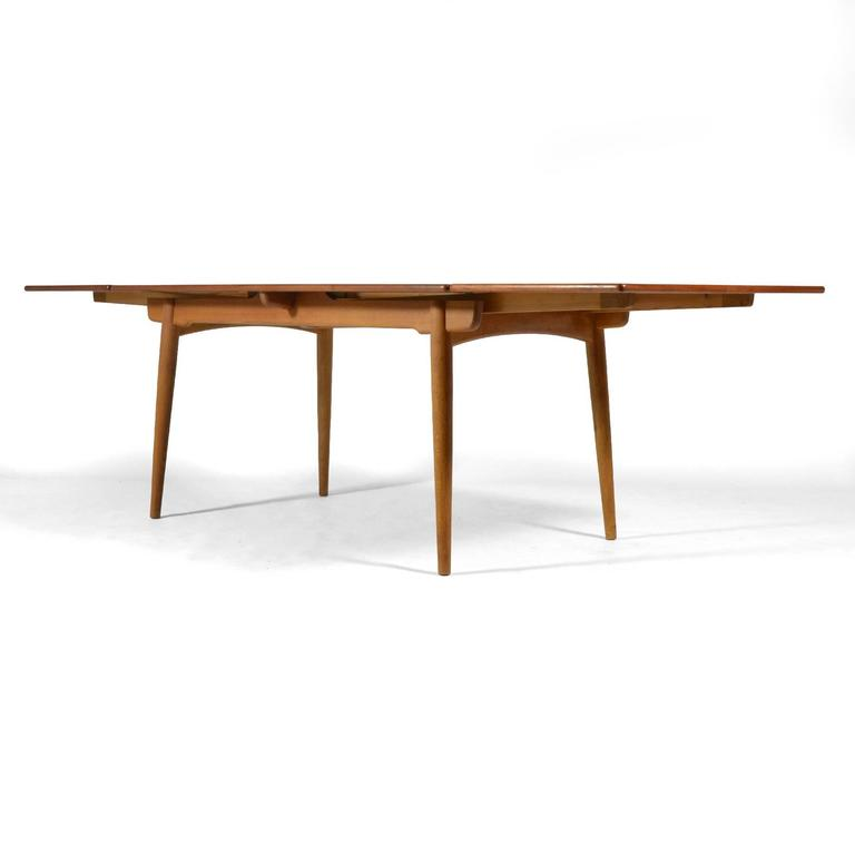Hans Wegner AT312 Draw-Leaf Dining Table by Andreas Tuck In Good Condition For Sale In Highland, IN
