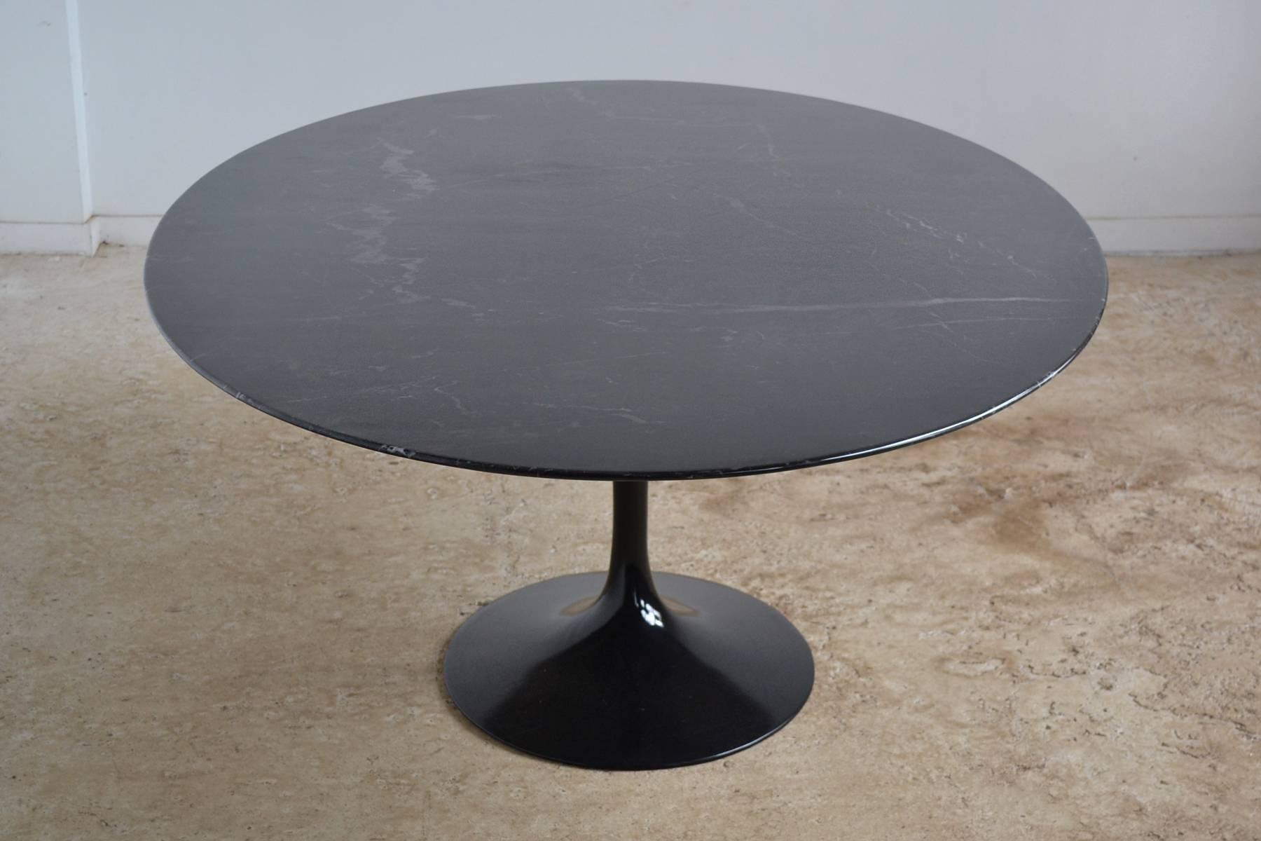 Eero Saarinen Black Marble Tulip Table By Knoll 3