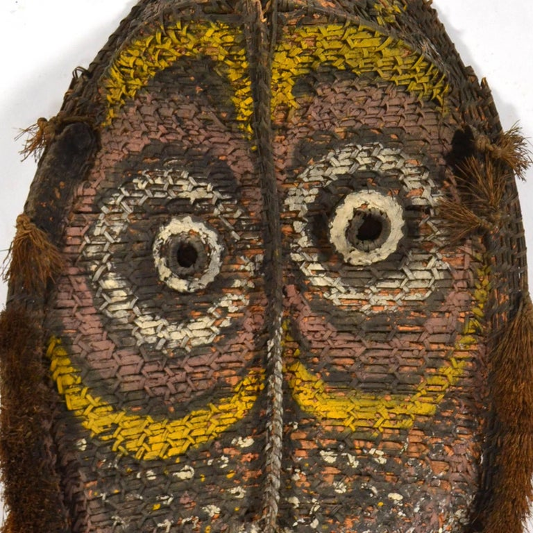 Large Basketry Gable Mask from Papua New Guinea In Good Condition For Sale In Highland, IN