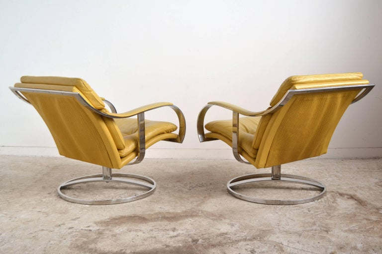 Mid-Century Modern Pair of Gardner Leaver Lounge Chairs by Steelcase For Sale