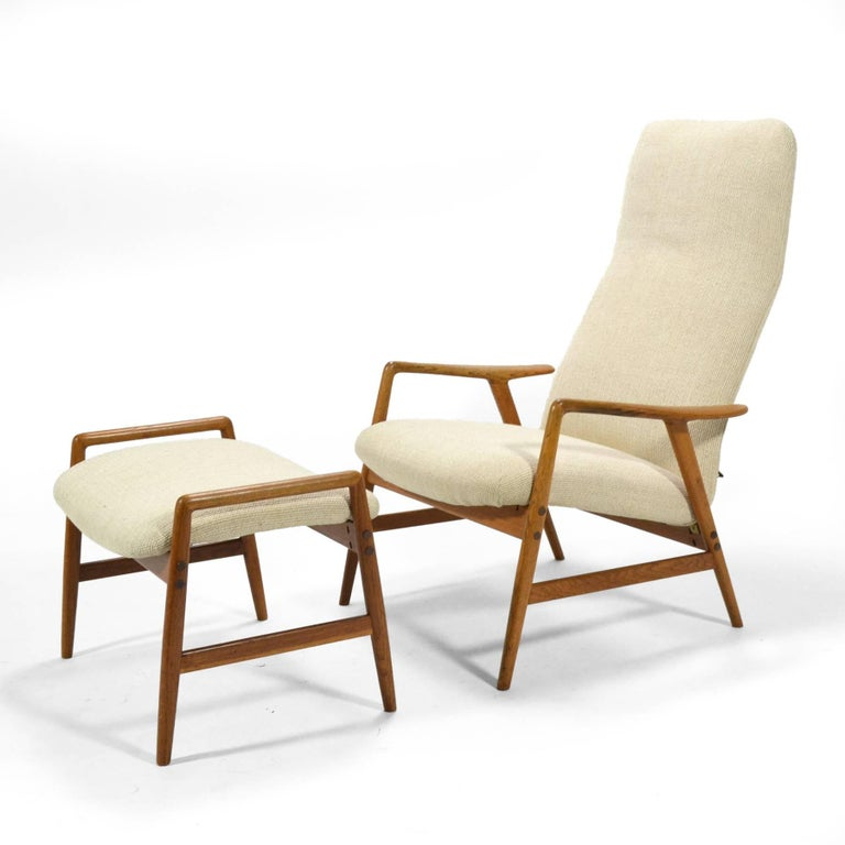 Alf Svensson Kontour Reclining Lounge Chair and Ottoman In Excellent Condition For Sale In Highland, IN