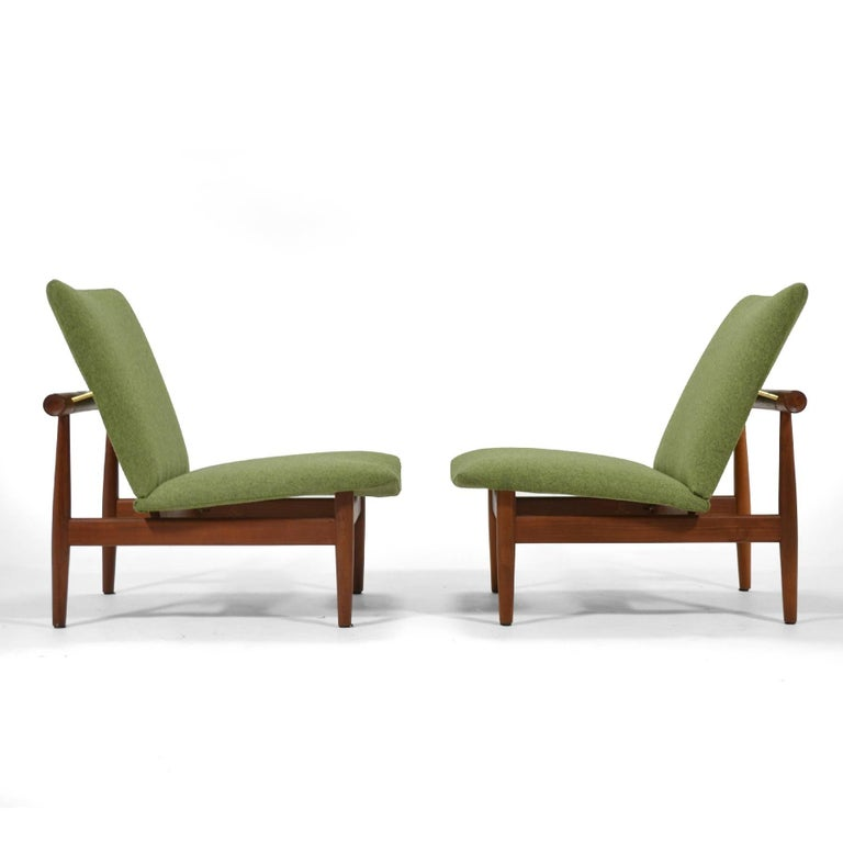 Finn Juhl Pair of Japan Chairs by France & Søn In Excellent Condition For Sale In Highland, IN