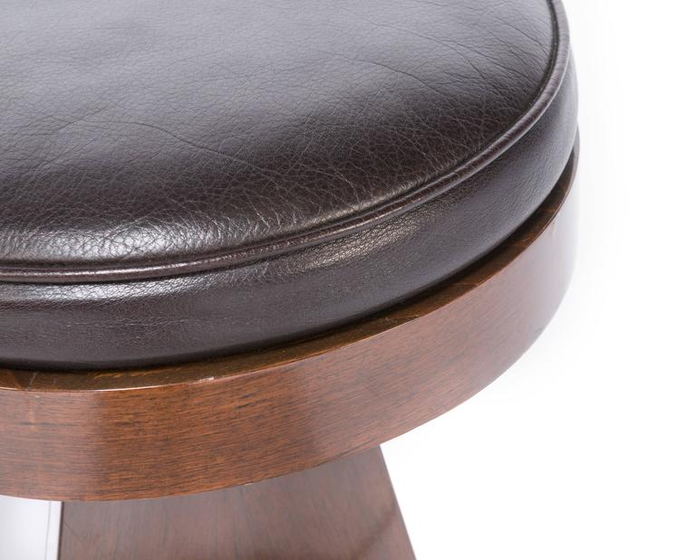 French Adjustable Stool In Excellent Condition For Sale In Pawtucket, RI